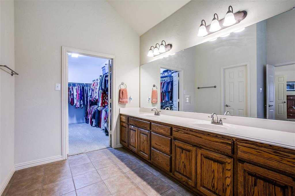325 Greenfield  Drive, Murphy, Texas 75094 - acquisto real estate best frisco real estate broker in texas for high net worth buyers