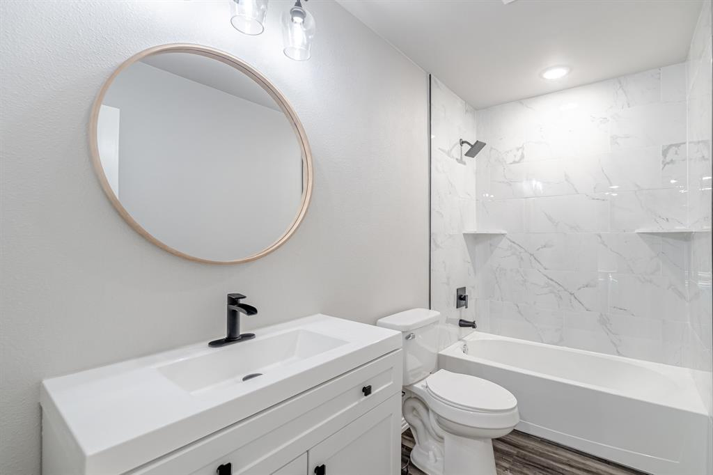 6221 Glenmoor  Drive, Garland, Texas 75043 - acquisto real estate best listing photos hannah ewing mckinney real estate expert