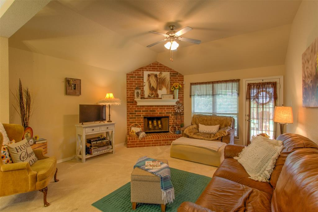 509 Kriston  Drive, Azle, Texas 76020 - acquisto real estate best highland park realtor amy gasperini fast real estate service