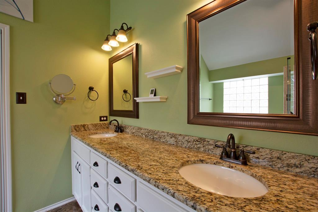 1701 Hill Creek  Drive, Garland, Texas 75043 - acquisto real estate best photo company frisco 3d listings