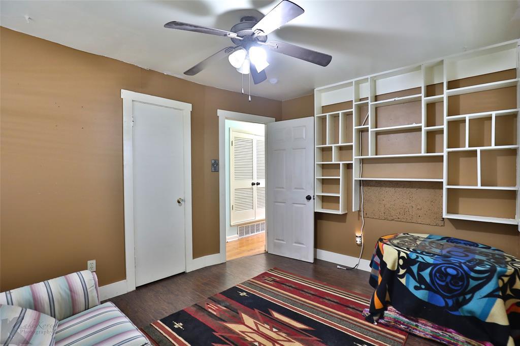 3916 Laurel  Drive, Abilene, Texas 79603 - acquisto real estate best realtor foreclosure real estate mike shepeherd walnut grove realtor