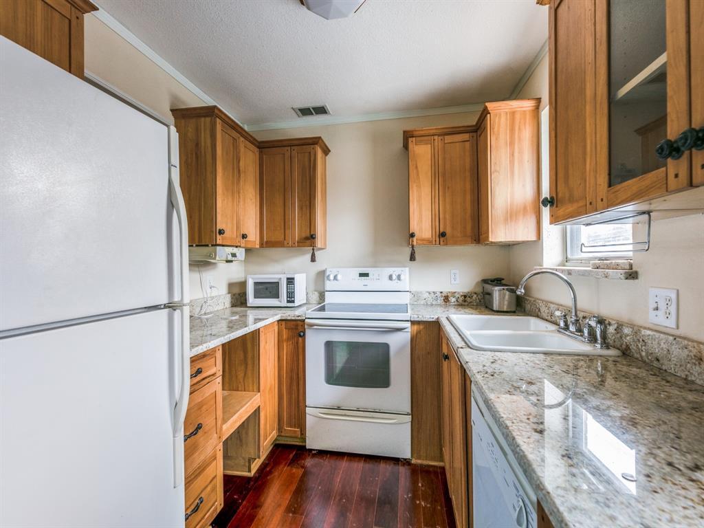 5833 Sandhurst  Lane, Dallas, Texas 75206 - acquisto real estate best allen realtor kim miller hunters creek expert