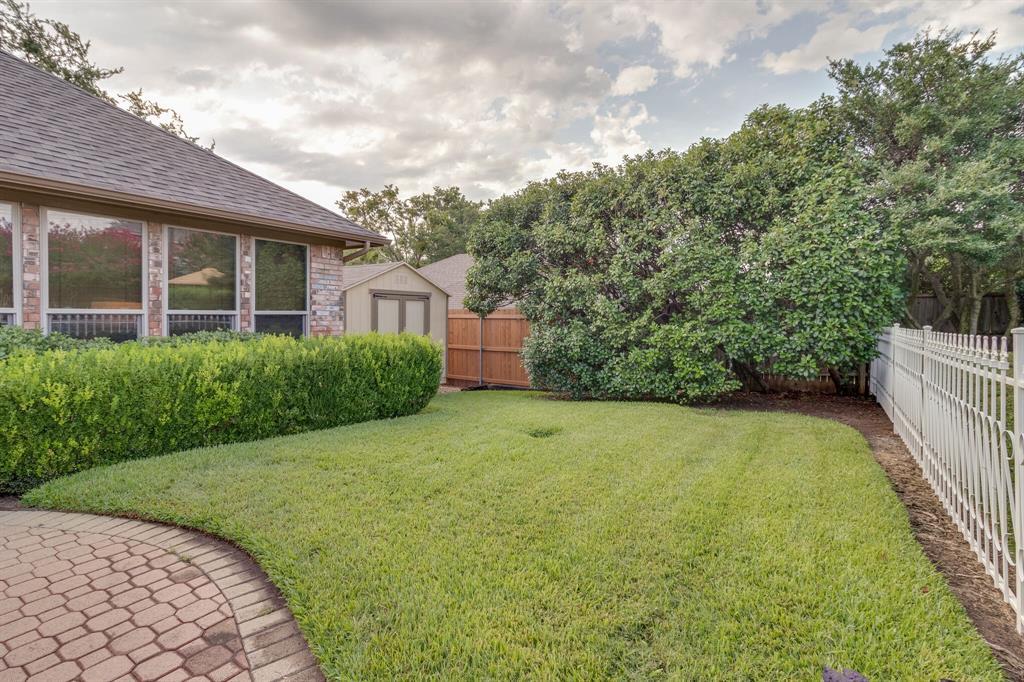 4009 Flintridge  Drive, Irving, Texas 75038 - acquisto real estate best frisco real estate agent amy gasperini panther creek realtor