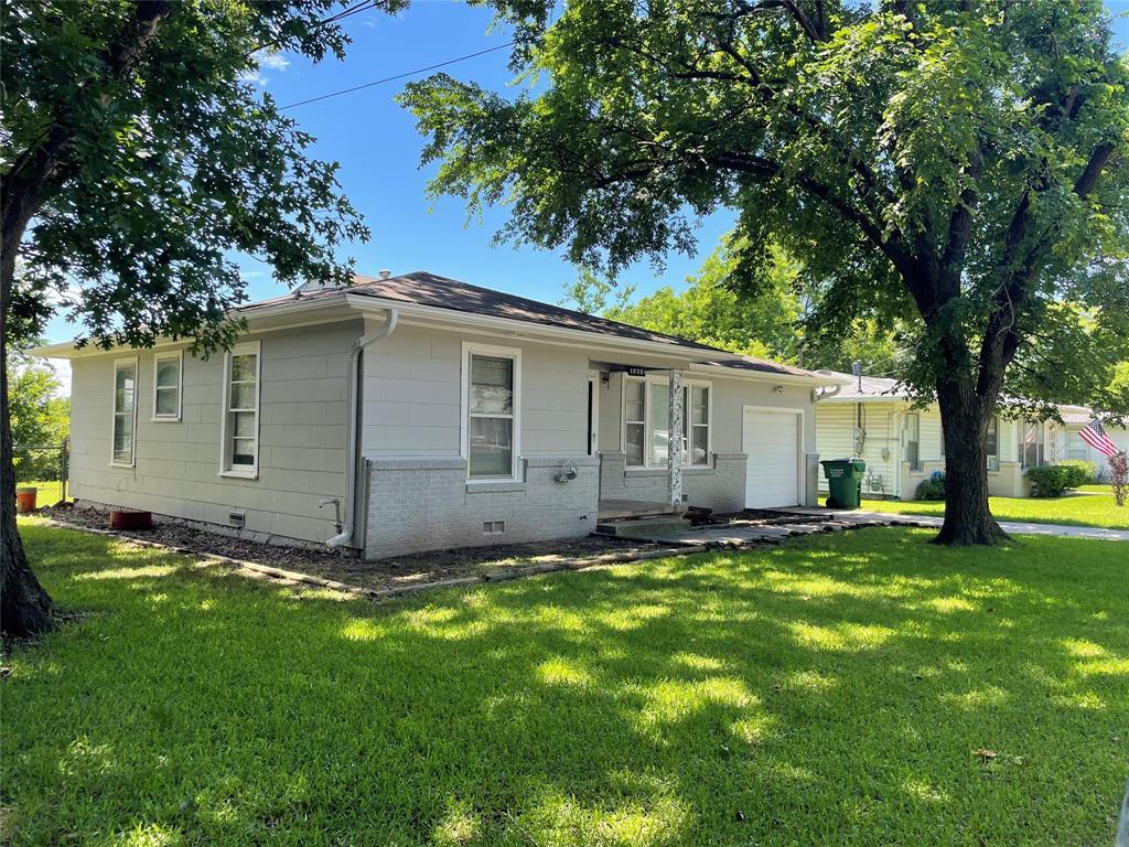 1028 Tyler  Street, Gainesville, Texas 76240 - Acquisto Real Estate best mckinney realtor hannah ewing stonebridge ranch expert