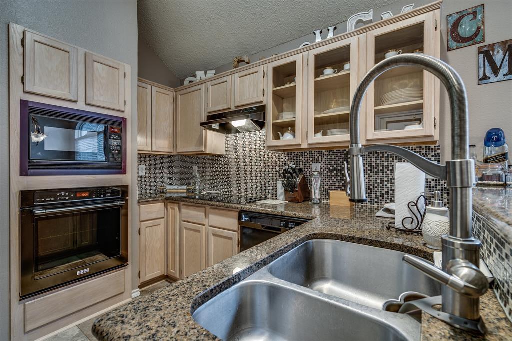 7624 Arbor Ridge  Court, Fort Worth, Texas 76112 - acquisto real estate best prosper realtor susan cancemi windfarms realtor