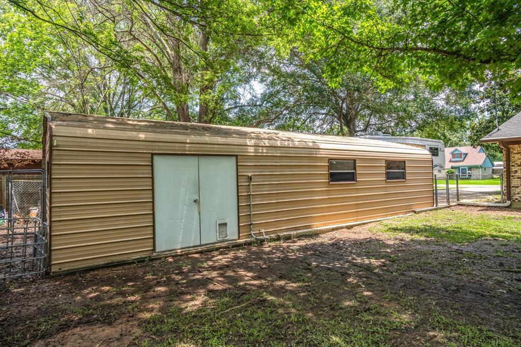 802 Lindy  Drive, Grand Saline, Texas 75140 - acquisto real estate best plano real estate agent mike shepherd