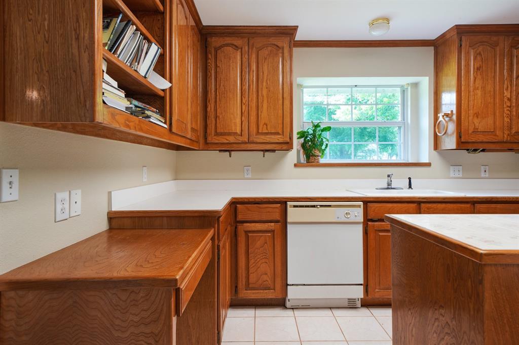 201 Chaparral  Drive, Granbury, Texas 76049 - acquisto real estate best luxury buyers agent in texas shana acquisto inheritance realtor