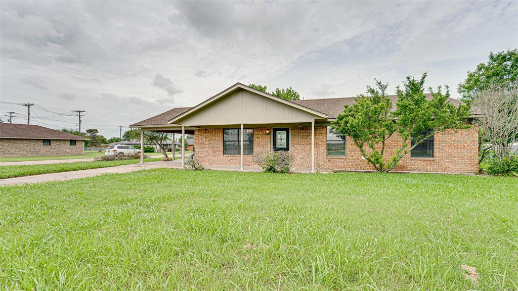 329 Hyles  Street, Italy, Texas 76651 - Acquisto Real Estate best plano realtor mike Shepherd home owners association expert