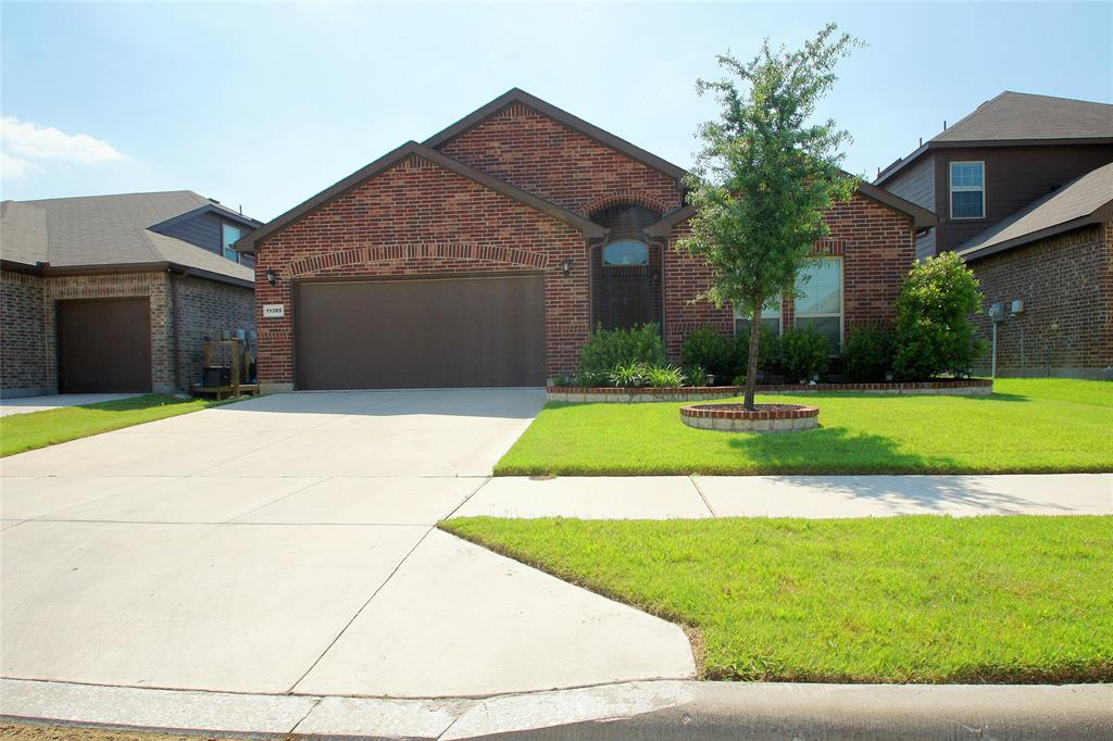 11305 Gold Canyon  Drive, Fort Worth, Texas 76052 - Acquisto Real Estate best frisco realtor Amy Gasperini 1031 exchange expert