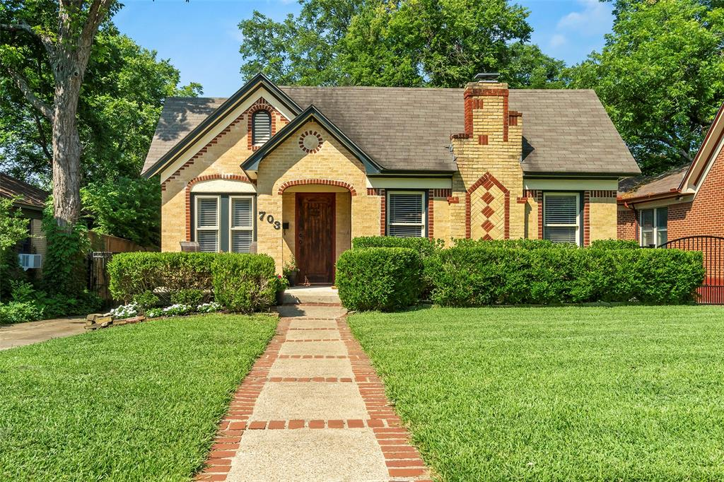 703 Valencia  Street, Dallas, Texas 75223 - Acquisto Real Estate best plano realtor mike Shepherd home owners association expert