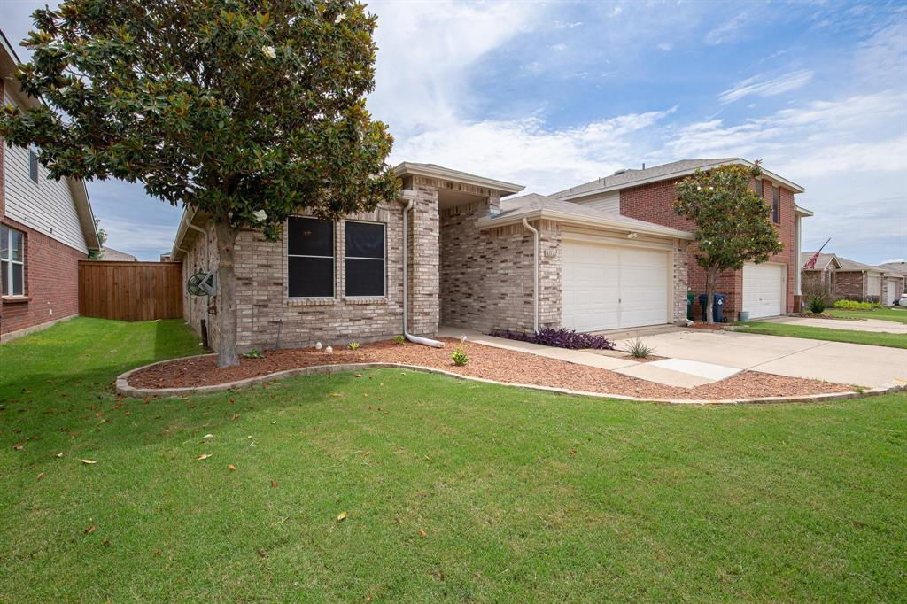 6117 St James  Place, Denton, Texas 76210 - Acquisto Real Estate best plano realtor mike Shepherd home owners association expert
