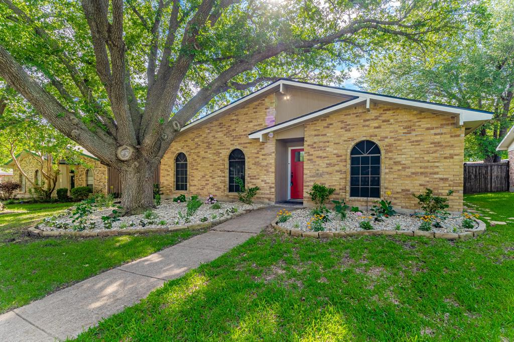 6221 Glenmoor  Drive, Garland, Texas 75043 - Acquisto Real Estate best plano realtor mike Shepherd home owners association expert