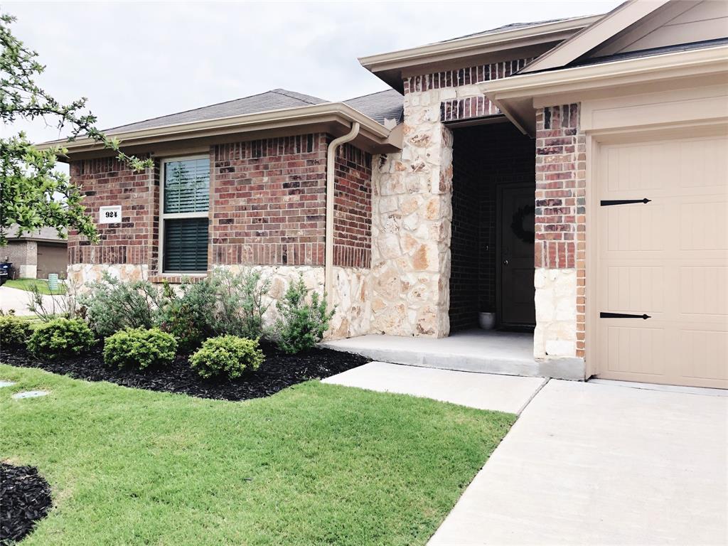 924 Horton  Street, Fate, Texas 75189 - acquisto real estate best negotiating realtor linda miller declutter realtor