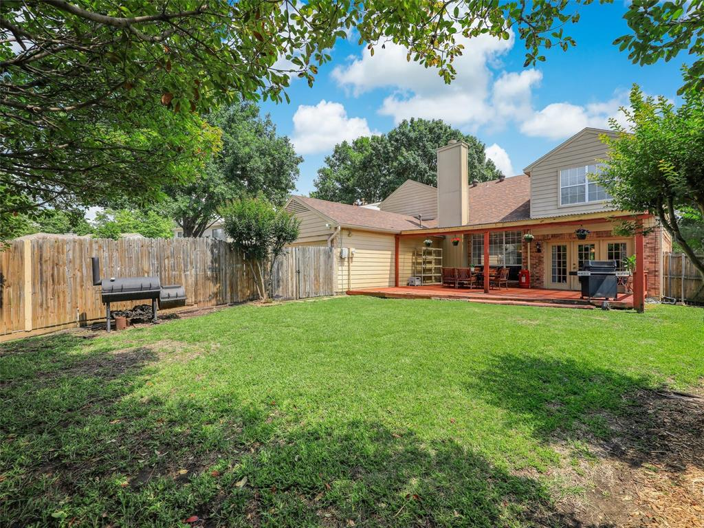 2121 Lansdown  Drive, Carrollton, Texas 75010 - acquisto real estate best real estate idx dilusso marketing mike acquisto