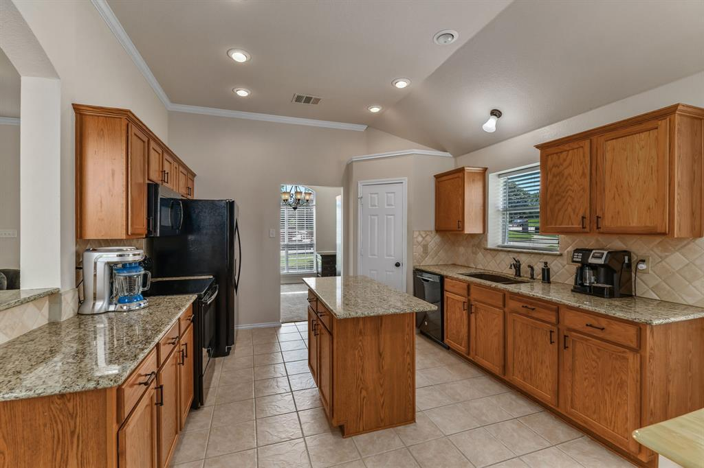 2824 Simmons  Drive, Sachse, Texas 75048 - acquisto real estate best designer and realtor hannah ewing kind realtor