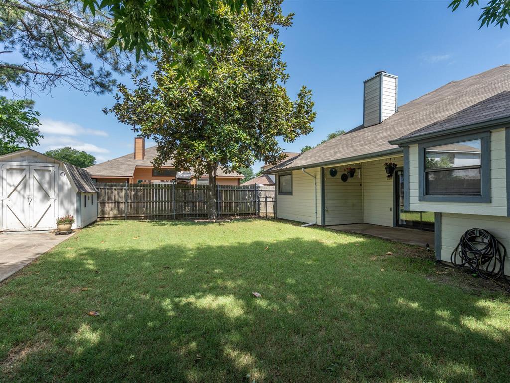 210 Mahogany  Drive, Arlington, Texas 76018 - acquisto real estate best negotiating realtor linda miller declutter realtor