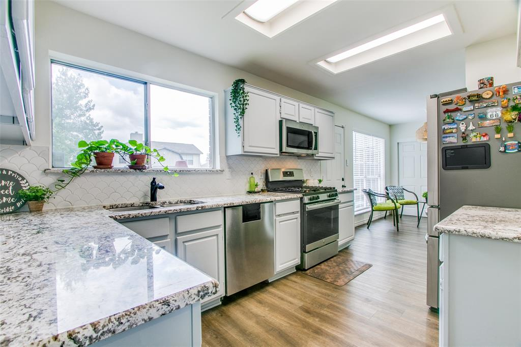 3316 Stone Bridge  Drive, Flower Mound, Texas 75028 - acquisto real estate best prosper realtor susan cancemi windfarms realtor