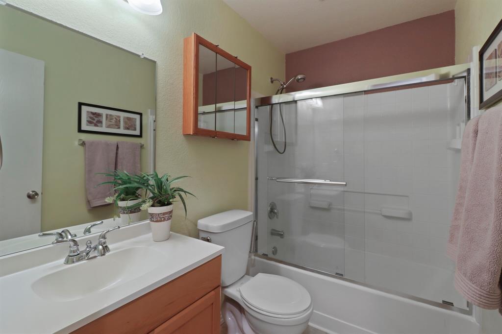 813 Rio Bravo  Drive, Fort Worth, Texas 76052 - acquisto real estate best photos for luxury listings amy gasperini quick sale real estate