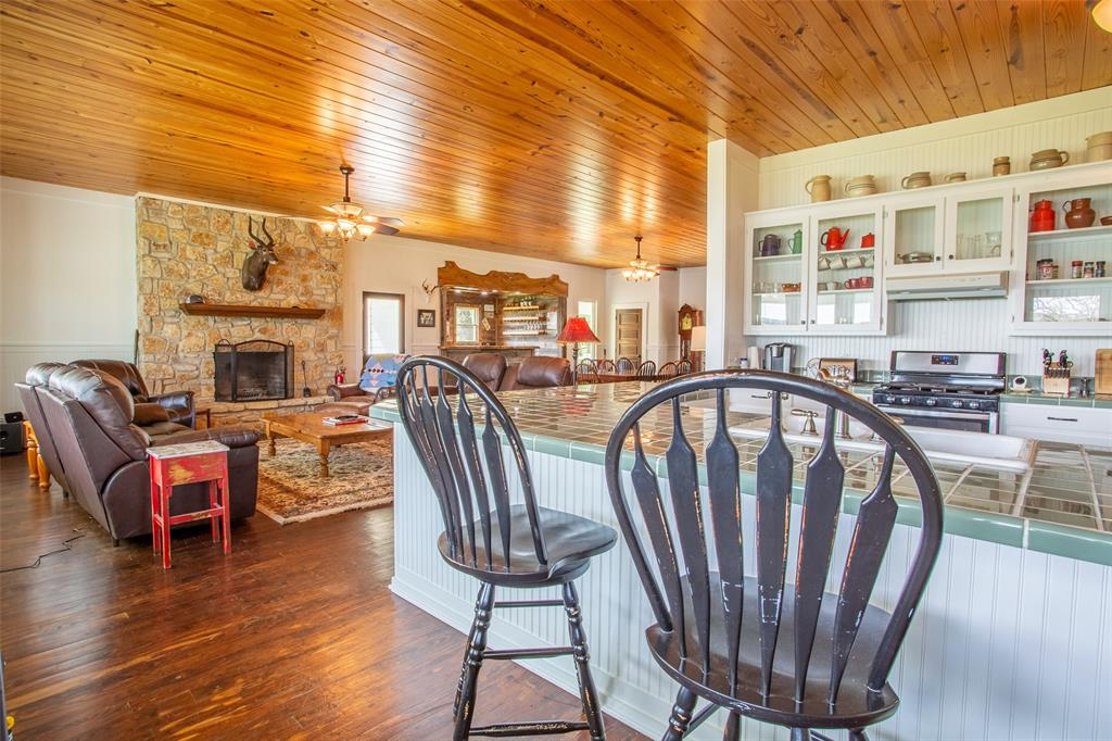 5730 County Road 225  Cranfills Gap, Texas 76637 - acquisto real estate best real estate company to work for