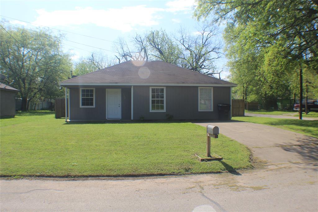1132 Alvarado  Street, Cleburne, Texas 76031 - Acquisto Real Estate best plano realtor mike Shepherd home owners association expert