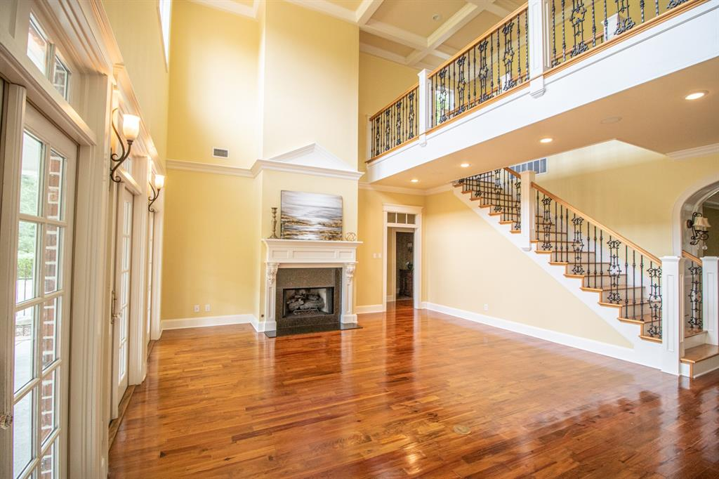902 South  Street, Lindale, Texas 75771 - acquisto real estate best new home sales realtor linda miller executor real estate