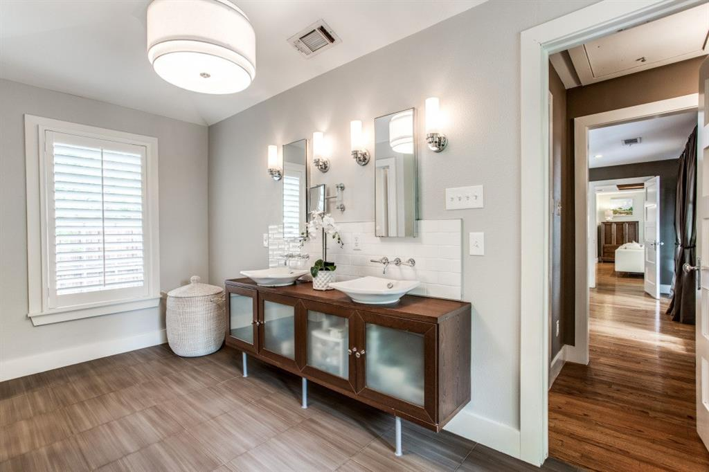 7107 La Vista  Drive, Dallas, Texas 75214 - acquisto real estate best real estate company to work for