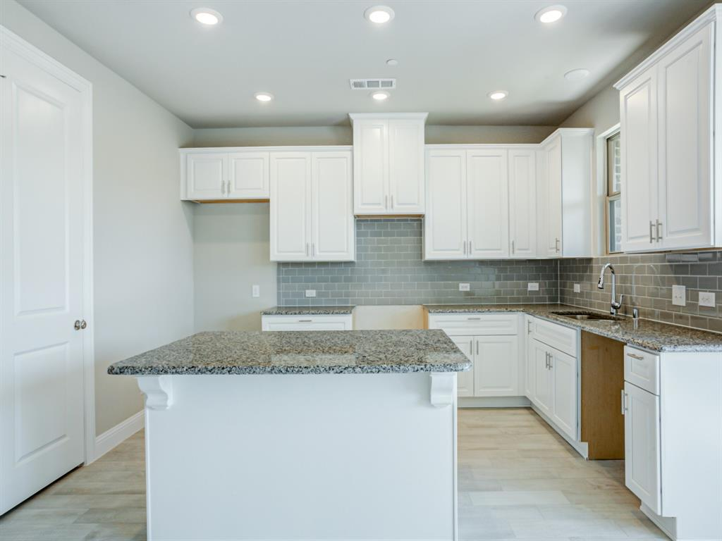 613 Hutchinson  Lane, Lewisville, Texas 75077 - Acquisto Real Estate best frisco realtor Amy Gasperini 1031 exchange expert