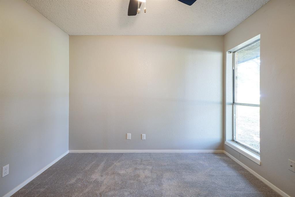 1512 Thomas  Lane, Graham, Texas 76450 - acquisto real estate best realtor dallas texas linda miller agent for cultural buyers