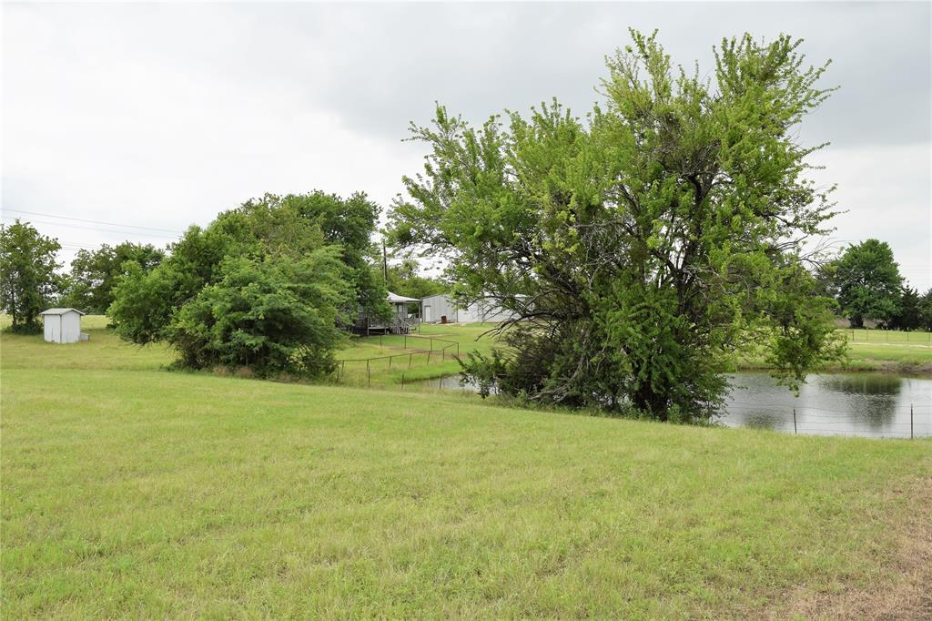812 Fm 922  Valley View, Texas 76272 - acquisto real estate best realtor foreclosure real estate mike shepeherd walnut grove realtor