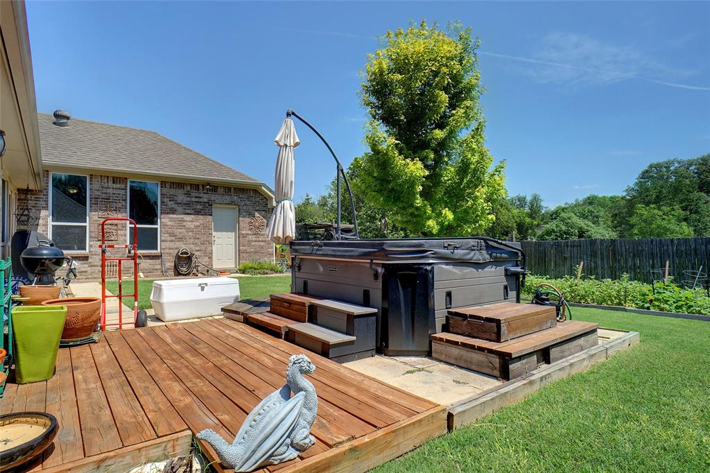 4041 Brookdale  Road, Benbrook, Texas 76116 - acquisto real estate mvp award real estate logan lawrence