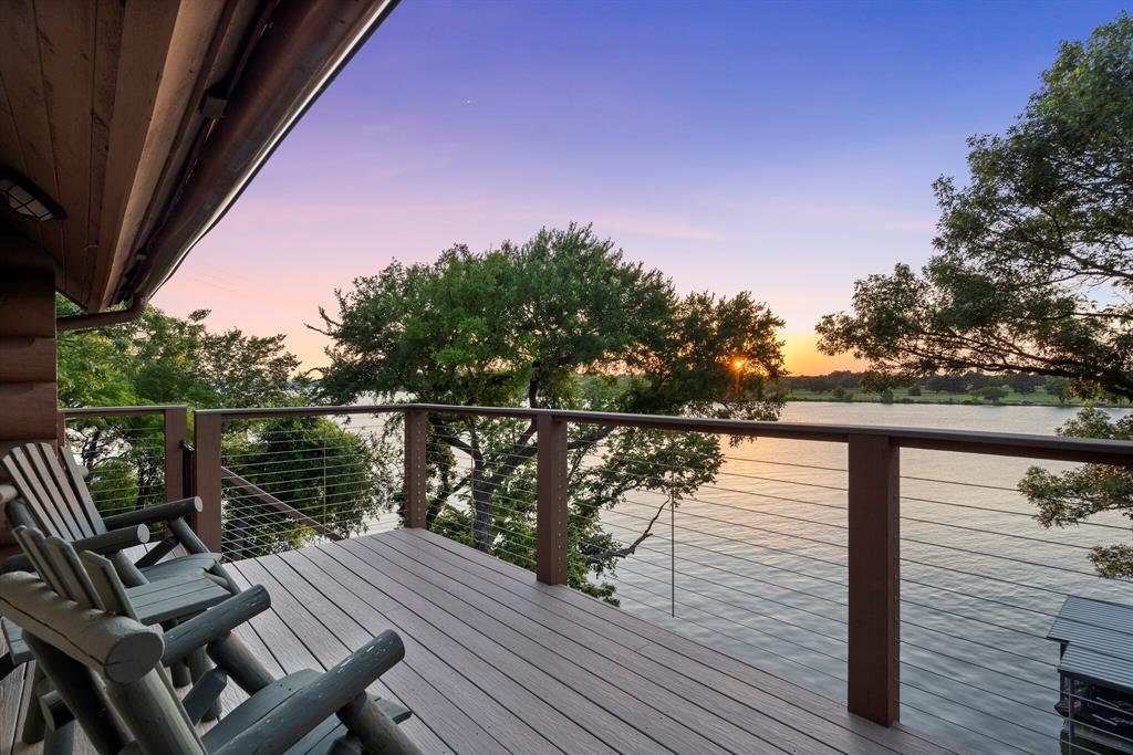 4256 Lakewood  Drive, Fort Worth, Texas 76135 - acquisto real estate mvp award real estate logan lawrence