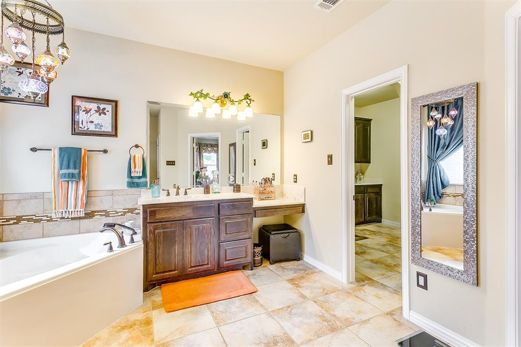 1172 Sapphire  Lane, Burleson, Texas 76058 - acquisto real estate best listing photos hannah ewing mckinney real estate expert