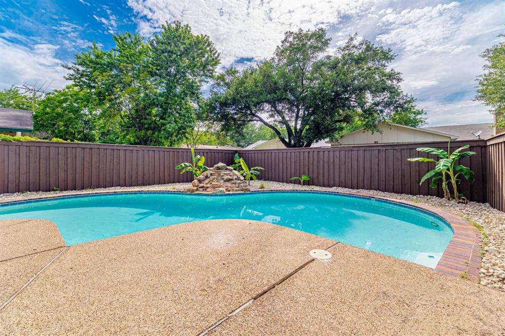 6221 Glenmoor  Drive, Garland, Texas 75043 - acquisto real estate agent of the year mike shepherd