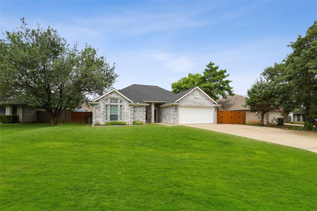 525 Addison  Street, Lake Dallas, Texas 75065 - acquisto real estate best realtor foreclosure real estate mike shepeherd walnut grove realtor