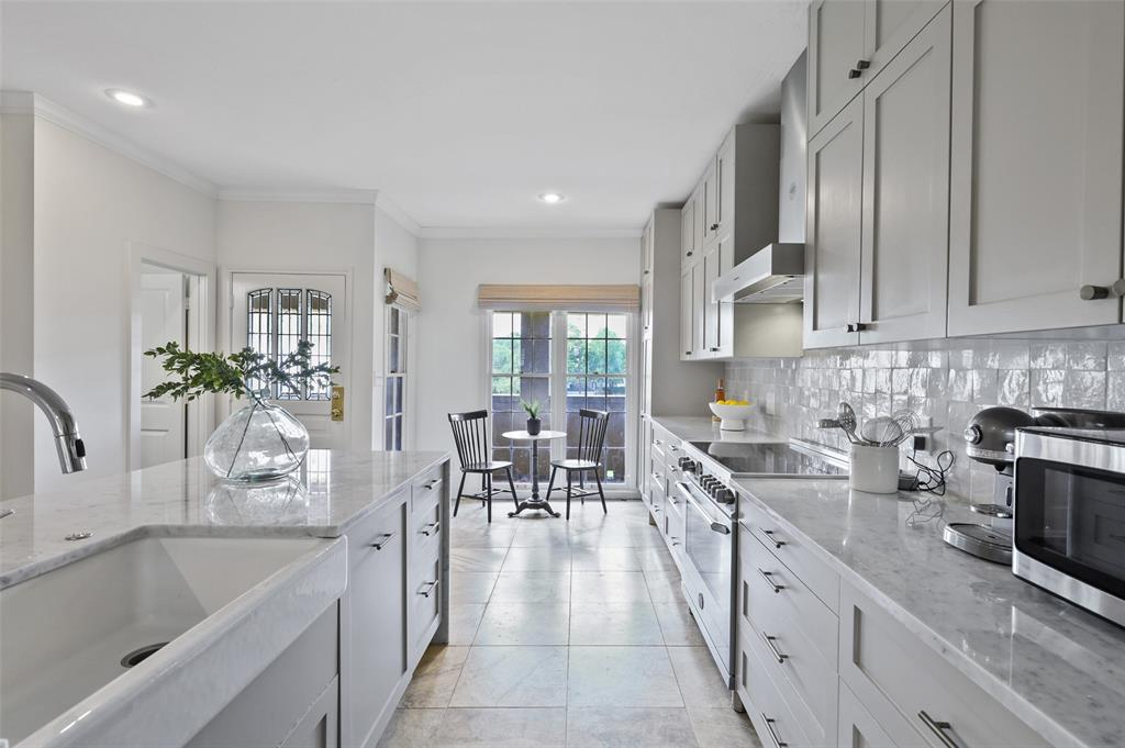3509 Dickason  Avenue, Dallas, Texas 75219 - acquisto real estate best allen realtor kim miller hunters creek expert