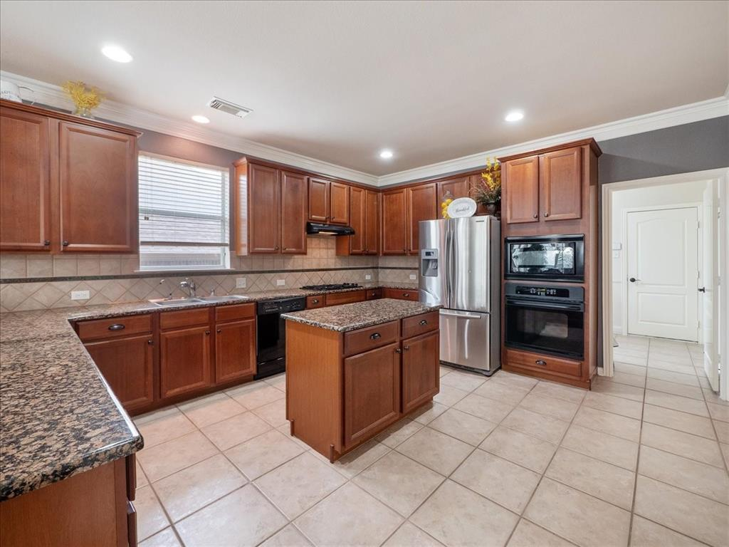 636 Campolina  Drive, Grand Prairie, Texas 75052 - acquisto real estate agent of the year mike shepherd