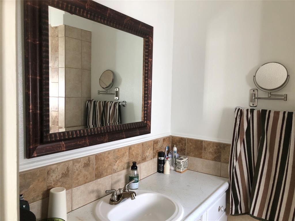 2916 6th  Street, Mineral Wells, Texas 76067 - acquisto real estate best realtor dfw jody daley liberty high school realtor