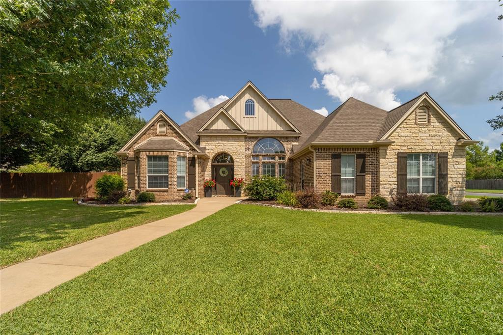 801 Cottonwood  Court, Stephenville, Texas 76401 - Acquisto Real Estate best frisco realtor Amy Gasperini 1031 exchange expert