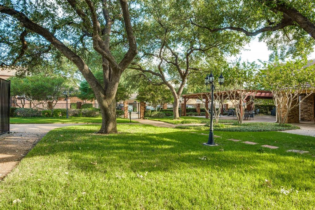 17107 Planters  Row, Addison, Texas 75001 - acquisto real estate best frisco real estate agent amy gasperini panther creek realtor
