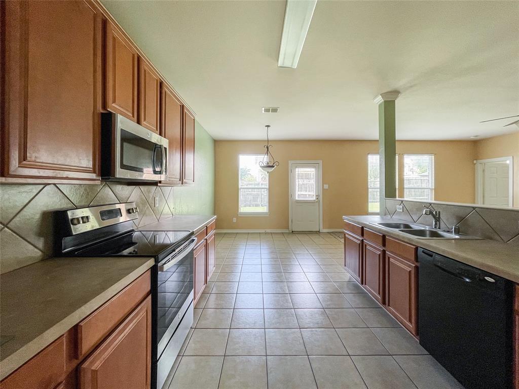 1738 Summerwood  Lane, Cedar Hill, Texas 75104 - acquisto real estate best listing listing agent in texas shana acquisto rich person realtor