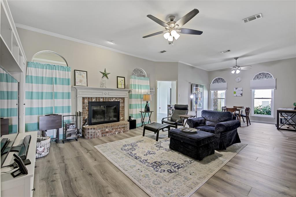 905 Canterbury  Drive, Saginaw, Texas 76179 - acquisto real estate best the colony realtor linda miller the bridges real estate