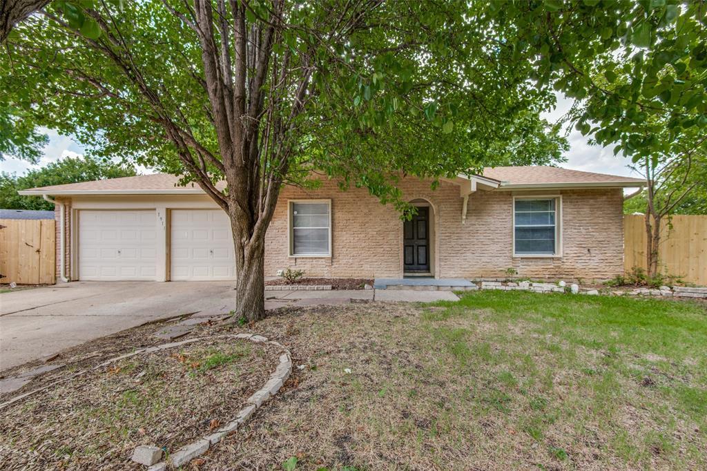 1911 Redwood  Street, Arlington, Texas 76014 - Acquisto Real Estate best plano realtor mike Shepherd home owners association expert