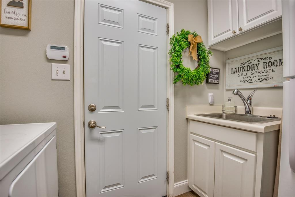 2221 Cristina  Circle, Carrollton, Texas 75006 - acquisto real estate best park cities realtor kim miller best staging agent