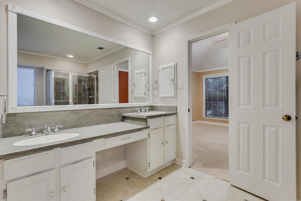 1662 Crosshaven  Drive, Lewisville, Texas 75077 - acquisto real estate best realtor dfw jody daley liberty high school realtor