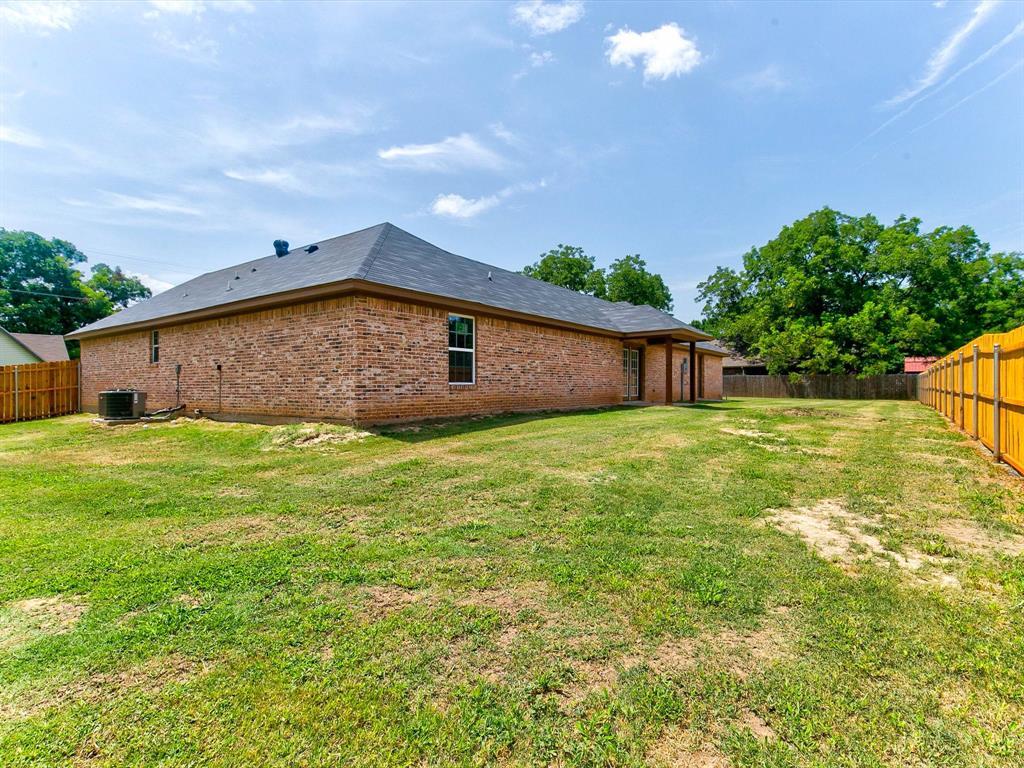 301 Elm  Lane, Tolar, Texas 76476 - Acquisto Real Estate best frisco realtor Amy Gasperini 1031 exchange expert