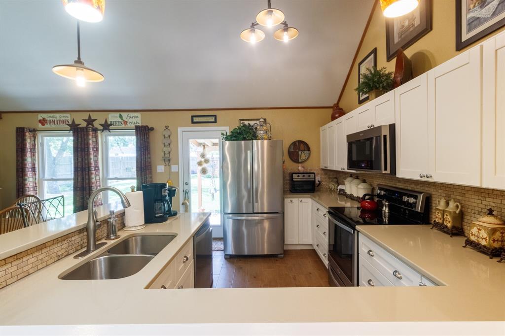 111 Suburban  Drive, Ovilla, Texas 75154 - acquisto real estate best photos for luxury listings amy gasperini quick sale real estate