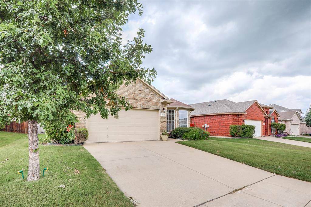 10628 Ashmore  Drive, Fort Worth, Texas 76131 - acquisto real estate best allen realtor kim miller hunters creek expert