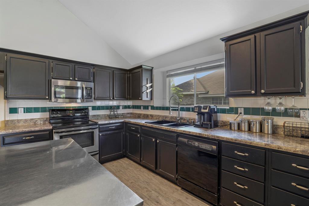 801 Bluffview  Drive, McKinney, Texas 75071 - acquisto real estate best highland park realtor amy gasperini fast real estate service