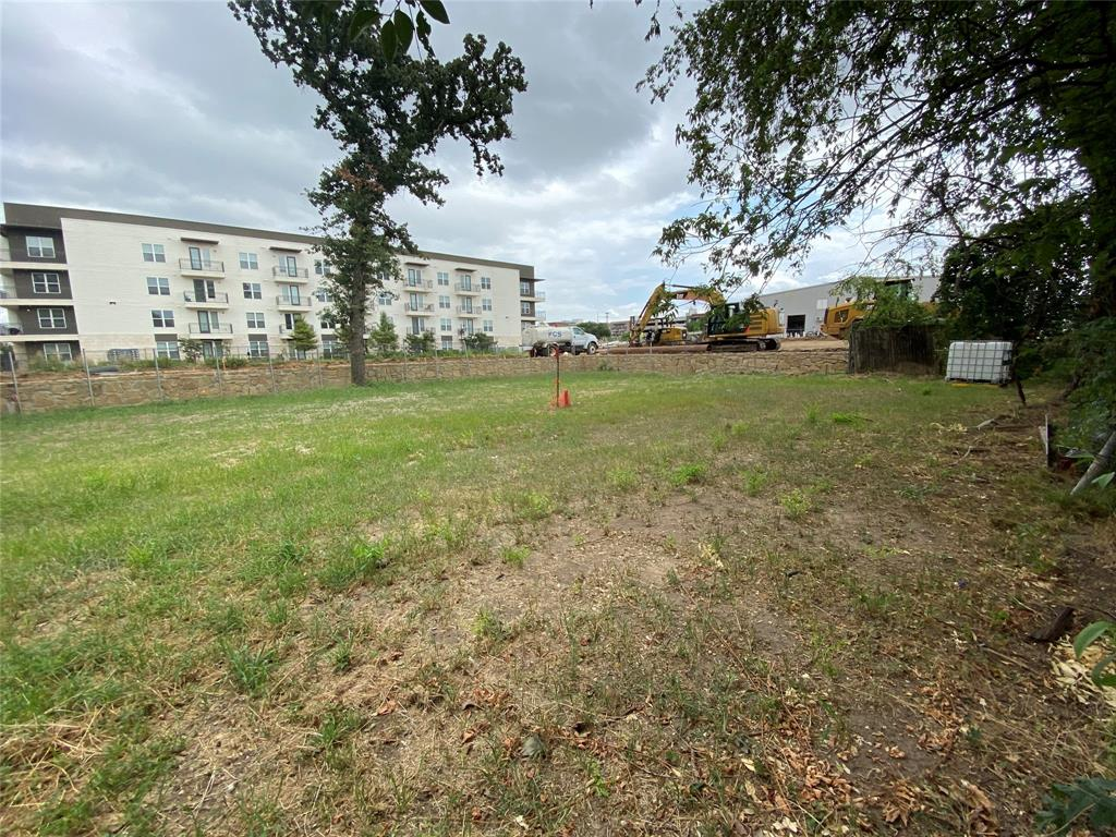 6907 Mohawk  Drive, Dallas, Texas 75235 - acquisto real estate best realtor foreclosure real estate mike shepeherd walnut grove realtor
