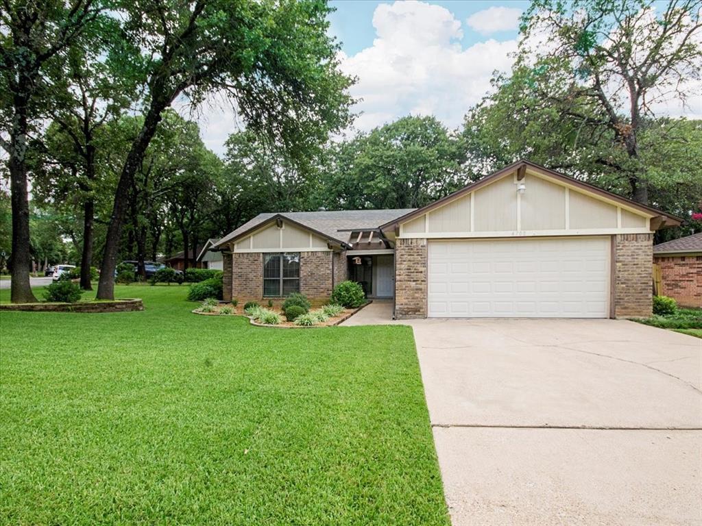 4700 Lone Oak  Drive, Arlington, Texas 76017 - Acquisto Real Estate best plano realtor mike Shepherd home owners association expert